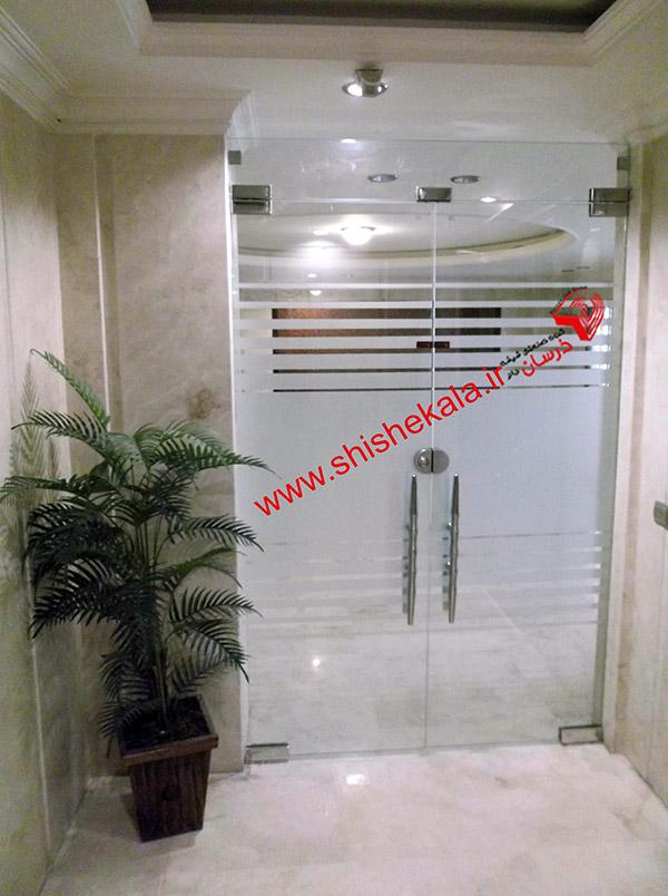 درب لولایی شیشه ای دوربند ساختمانی