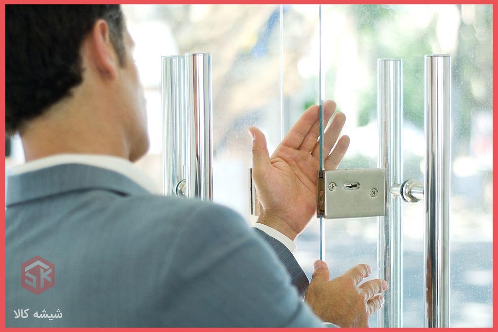 رگلاژ-و-تعمیر-شیشه-سکوریت-و-شیشه-میرال